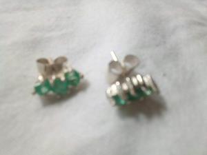 Aretes en Plata con Esmeraldas