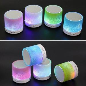 PARLANTE BLUETOOTH CON LUCES LED.