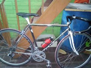 Vendo bicicleta en aluminio buena de estado y condiciones