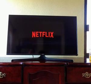 SE VENDE TELEVISOR SAMSUNG DE 42 PULGADAS SMART TV Y 3D