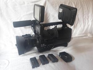Vendo Cámara Sony HD Ref. HXRMC con Boon