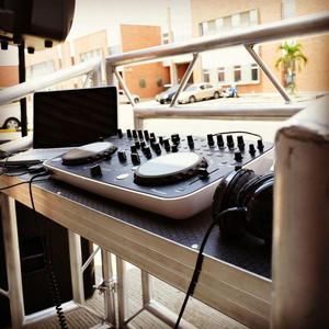 Rack mesa metalico para DJ profesional