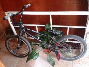 GANGA!!VENDO BICICLETA BMX EN PERFECTO ESTADO