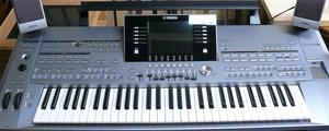 NEW!! F/S JAPAN YAMAHA PSRS670 Electronic Keyboard 61 Keys /