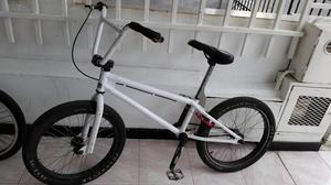 VENDO BMX MARCO PIRAÑA Y BICICLETA PEQUENA GW