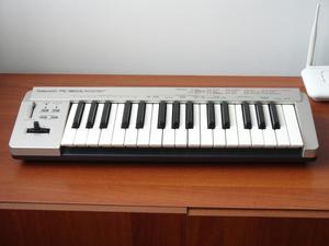 controlador midi ROLAND PC160 de 2 octavas