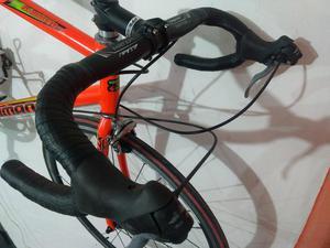 Vendo Bicicleta de Ruta Mantenimient Ful