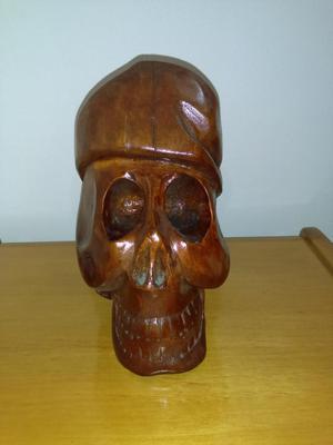 Escultura en madera Calavera Vintage.