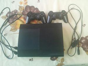 Vendo Play3 Superslim con 2 Controles