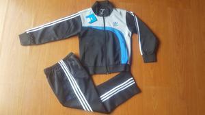 Conjunto deportivo Marca Adidas Originals Talla 8