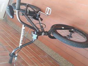 Se vende o se cambia por otra bicicleta