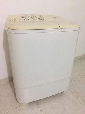 Se vende lavadora HACEB muy buen estados