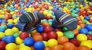 Tenemos cientos de pelotas especiales para piscinas,