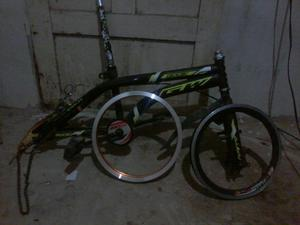 Vendo Marco de Bicicleta Gw 16