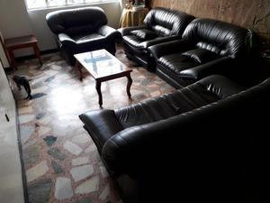 Juego de muebles para sala con mesa