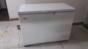 Congelador horizontal blanco, marca Bajocero. Girardot,