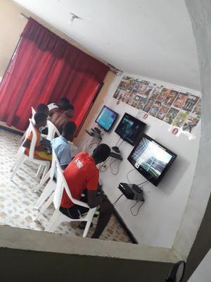 Sala de Video Juegos Xbox 360 Completa F