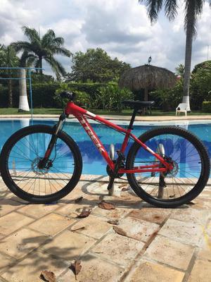 Se vende bicicleta todo terreno Trek marlin 5 nueva