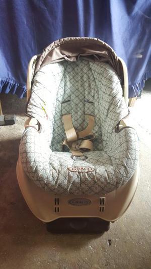 Vendo Silla de Bebe para Carro Graco