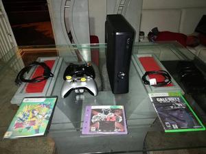 Vendo Xbox 360 Slim cero detalles con Disco duro