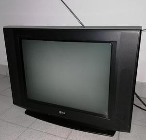 TV LG 21 pulgadas. Correcto funcionamiento. Trae el con
