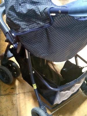 Coche paseador de bebe Marca Century Bacinilla