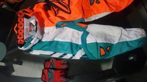 Hermoso Pantalon BMX fly talla 26 y guantes F16