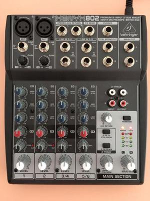 Consola Mezclador audio Behringer XENYX802