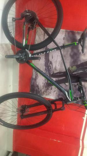 Bicicleta 29 Talla 19 en Aluminio 27 Vel