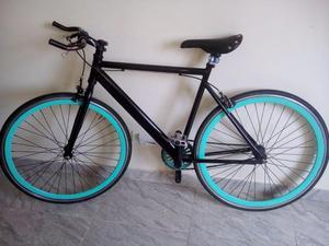 Se vende bicicleta tipo Fixed