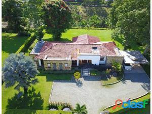 Casa campestre en venta via a El Caimo
