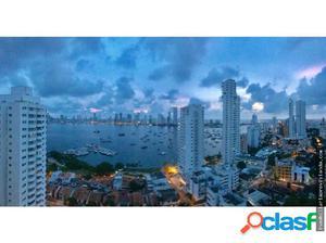 Amplio apartamento con vista a la bahía