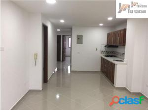 Apto 2 piso 3 hab + parqueadero lineal trianon
