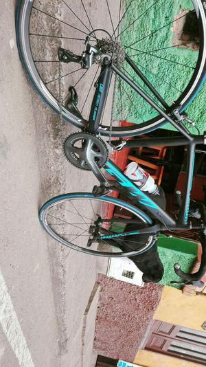 Bicicleta de ruta marca gw