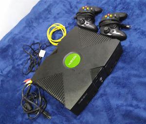 Xbox Clásico con dos controles, 23 juegos y emuladores