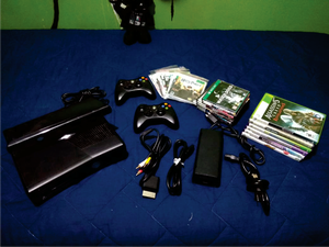 XBOX 360 SLIM 5.0 con Kinect de 30 juegos 2 Controles