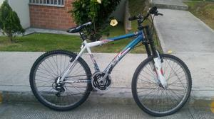 Bicicleta Todo Terreno con Suspensión