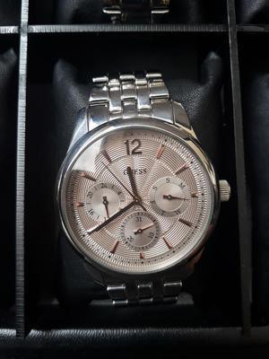 Vendo Cambio Reloj Guess Cronografo
