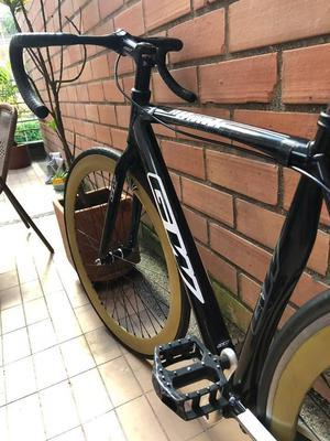 Bicicleta de ruta fixie en aluminio