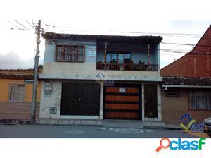 Venta Casa con local en La Ceja