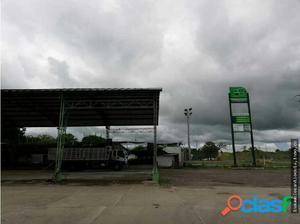 Estacion de servicio y hotel + serviteca