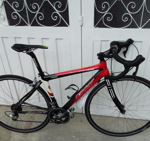 Bicicleta Gw Toda en Fibra de Carbono