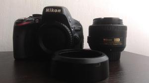 Camara Nikon D con Lente Nikkor 35mm