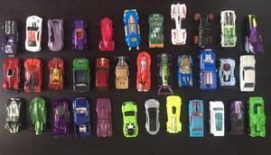 35 Carros de Hot Wheels de Segunda