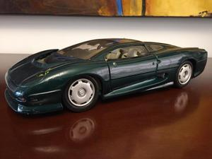 Carro A Escala 1/18 Jaguar XJ 220 Maisto:::