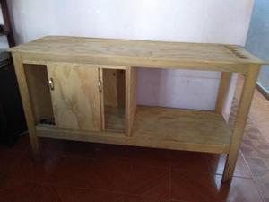 se vende mesa de madera para negocio de alimentos u otros