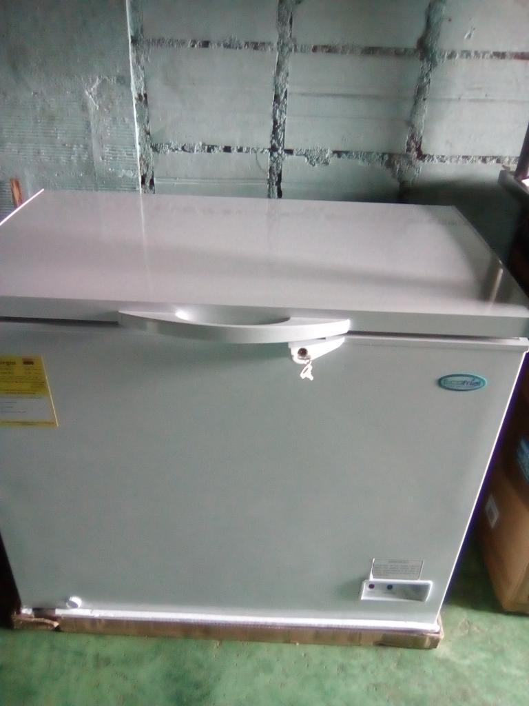 Vendo Congeladores de 200 Litros