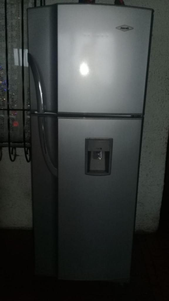 Nevera haceb 250 lts no frost doble puerta en perfecto