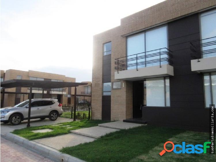 Arriendo linda casa para estrenar en Cajicá