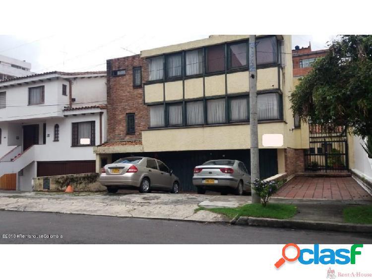 Casa en Santa Barbara mls18-505DC